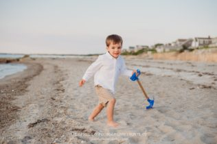 Family Photo Session on the Beach on Cape Cod in Brewster Massachusetts Sarah Murray Photography